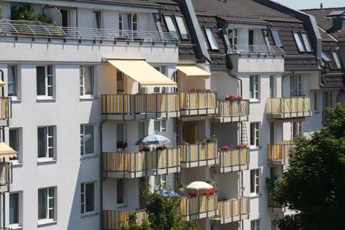 balkon sichtschutz mit balkonverkleidung balkonumrandung. Black Bedroom Furniture Sets. Home Design Ideas