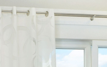 wei e gardinen und vorh nge f r anspruchsvolle fensterdeko. Black Bedroom Furniture Sets. Home Design Ideas