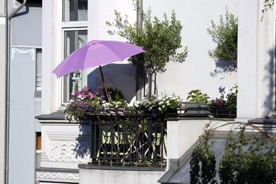 balkonschirm der flexible sonnenschutz f r ihren balkon. Black Bedroom Furniture Sets. Home Design Ideas