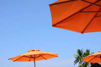 sonnenschirm f r garten balkon und terrasse auch in der gastronomie beliebt. Black Bedroom Furniture Sets. Home Design Ideas