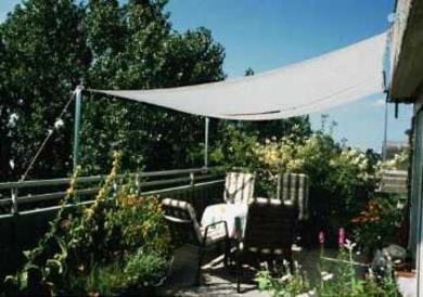 sonnensegel zur individuellen beschattung von balkon. Black Bedroom Furniture Sets. Home Design Ideas