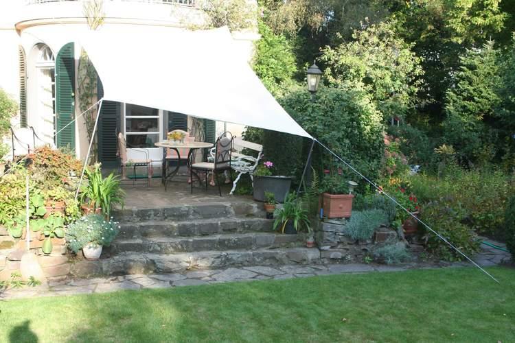 beschattung der terrasse und des gartens planungshilfen. Black Bedroom Furniture Sets. Home Design Ideas